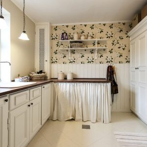 Small kitchen Remodel Checklist: How To Make A Small Kitchen Look Bigger