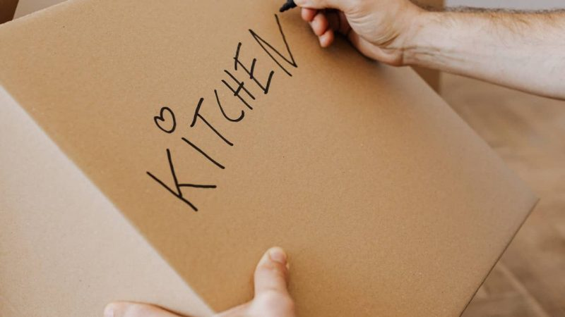 How to Pack a Kitchen for Moving Like a Pro