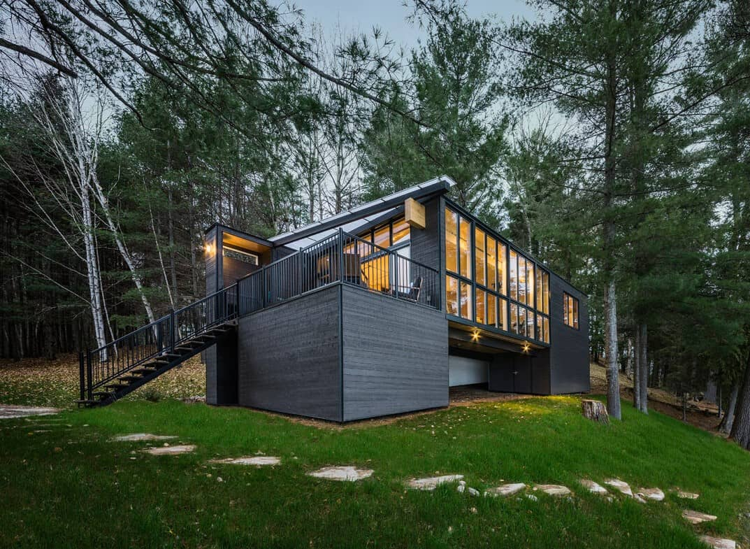 Dreaming Of Living In A Cabin? Consider The Prefabricated Concept