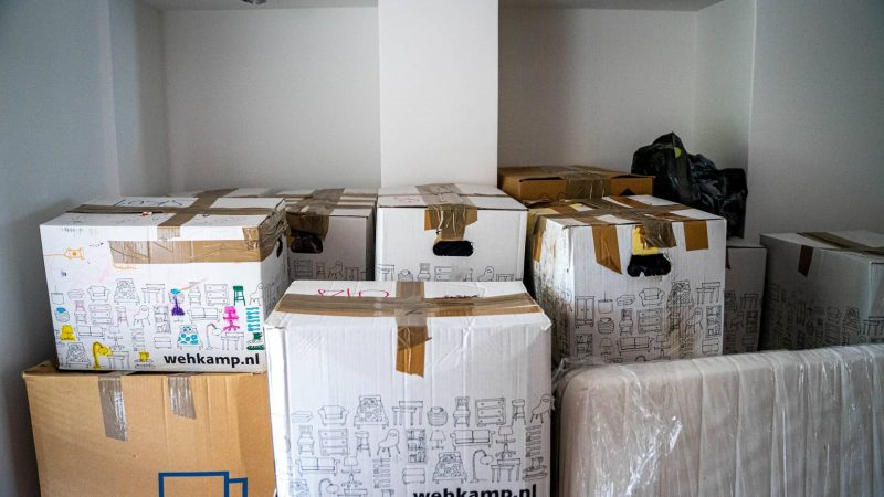4 Ways To Minimize Clutter Before, During, And After Your Move